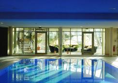Upstalsboom Hotel Ostseestrand - 제바트헤링스도르프 - 수영장
