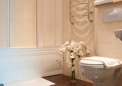 Platinum Hotel - Chisinau - 욕실