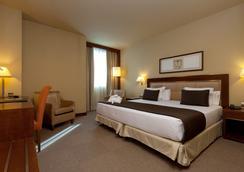호텔 누에보 마드리드 - 마드리드 - 침실