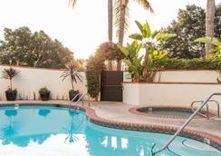 Montecito Inn - 샌타바버라 - 수영장
