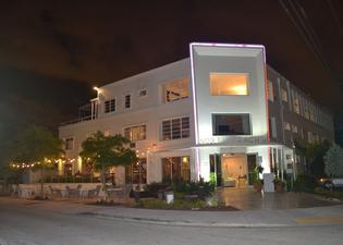 North Beach Hotel