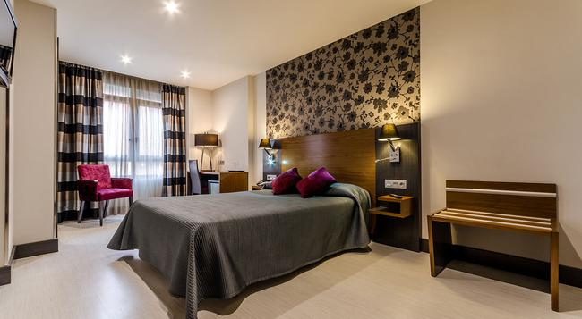 Hotel Regio Cadiz - 카디스 - 침실
