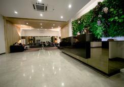 더 호텔 앳 그린 선 - 마닐라 - 로비