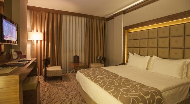 Grand Hotel Gaziantep - 가지안테프 - 침실