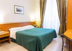 호텔 캐피톨 - 로마 - 침실
