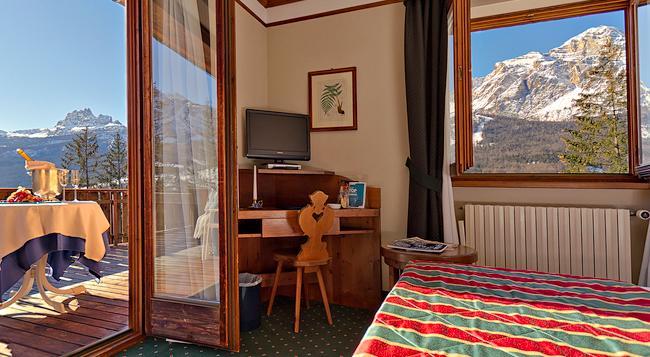 부티크 호텔 빌라 블루 코르티나 - 코르티나담페초 - 침실