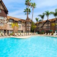 애너하임 마제스틱 가든 호텔 Outdoor Pool