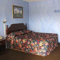 Palace Inn Guest room