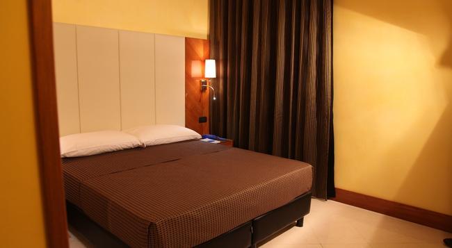 페데리카스 홈 비앤비 - 로마 - 침실