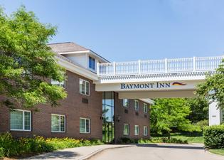 Baymont Inn & Suites Des Moines Airport