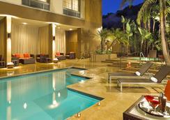 Courtyard by Marriott San Diego Mission Valley Hotel Circle - 샌디에이고 - 수영장
