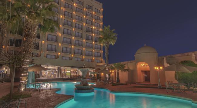 호텔 루세르나 시우다드 후아레스 - Ciudad Juarez - 건물