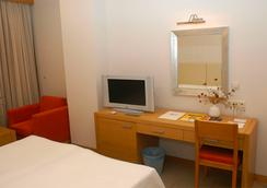 Mavi Kumsal Hotel - 보드룸 - 침실