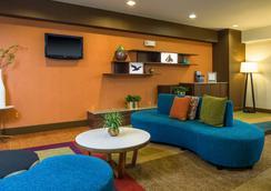 Fairfield Inn and Suites by Marriott Jacksonville Airport - 잭슨빌 - 로비