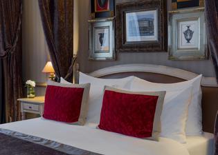로얄 마노텔 호텔