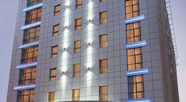 코스모폴리탄 호텔 두바이 - 두바이 - 건물