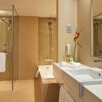 코스모폴리탄 호텔 두바이 Bathroom