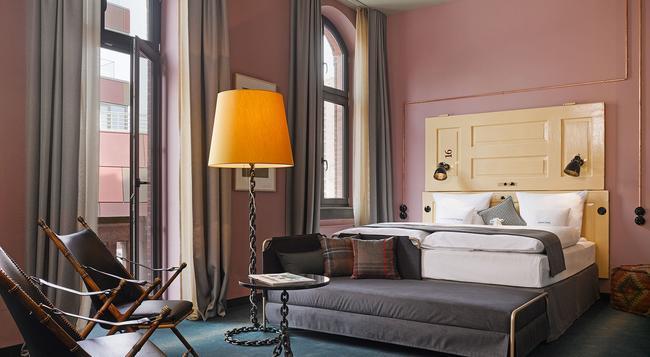 25hours Hotel Altes Hafenamt - 함부르크 - 침실