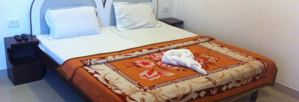 호텔 사파리 - 아그라 - 침실