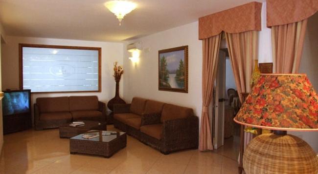 호텔 마그노리아 - 비에스테 - 바