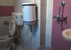 호텔 압히라지 팰리스 - 자이푸르 - 욕실