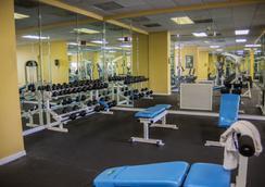 Silver Lake Resort - 키시미 - 체육관