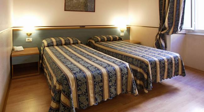 호텔 라자리 - 로마 - 침실
