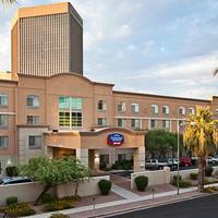 Fairfield Inn and Suites by Marriott Phoenix Midtown Exterior