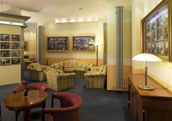 헐리우드 미디어 호텔 암 쿠르퓌르스텐담 - 베를린 - 로비