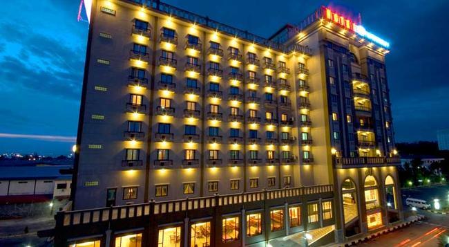 하보우 베이 에미어 호텔 - Batam - 건물