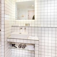 라 메종 샹젤리제 Bathroom