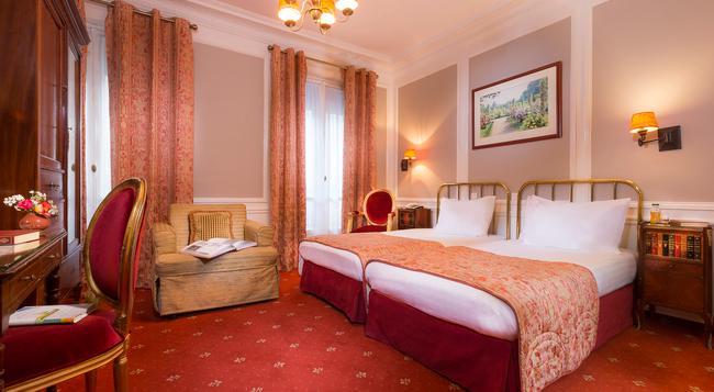 벨파스트 - 파리 - 침실