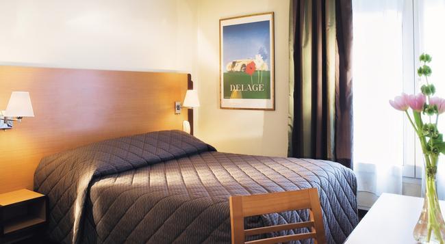 호텔 뒤 라이온 - 파리 - 침실