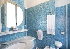 호텔 드 수에즈 - 파리 - 욕실