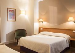 센트럴 호텔 파리 - 파리 - 침실