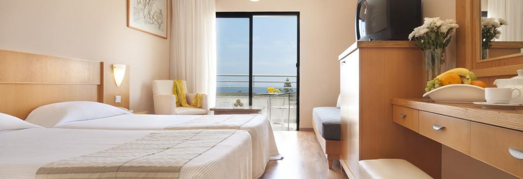 Louis Phaethon Beach - 파포스 - 침실