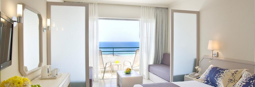 Louis Imperial Beach - 파포스 - 침실