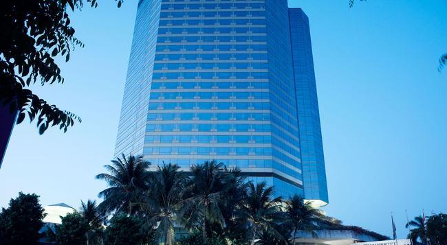 JW 메리어트 수라바야 호텔 - 수라바야 - 건물