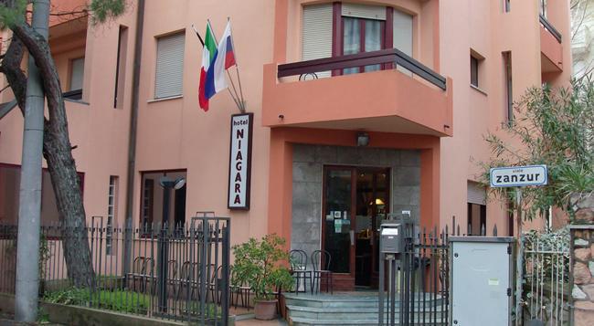 Hotel Niagara Rimini - 리미니 - 건물