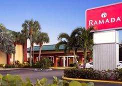 Ramada Naples - 네이플스 - 건물