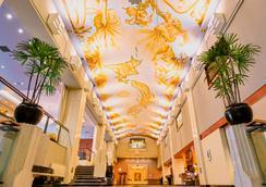 프리미어 호텔 – 츠바키 – 삿포로 - 삿포로 - 로비