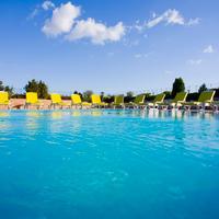 더 그린 파크 보스탄치 호텔 Outdoor Pool
