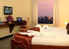 호퍼스스탑 - 예라한카 - 벵갈루루 - 침실