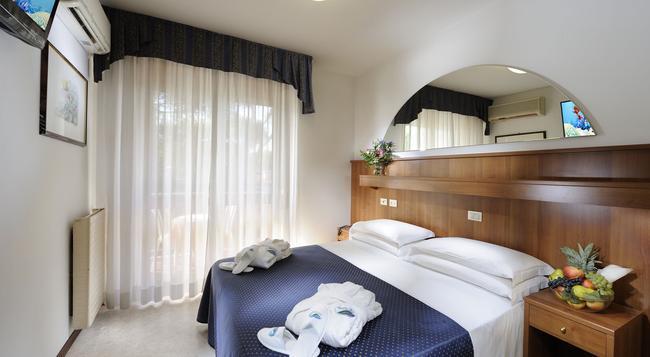 Hotel Vina De Mar - 리그나노 사비아도로 - 침실
