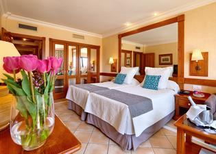 코스타 아데제그랜 호텔