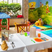 코스타 아데제그랜 호텔 Family Dining