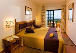 이사벨 호텔 - 아데제 - 침실