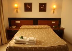 Hotel Restaurante Blanco y Verde - Conil de la Frontera - 침실