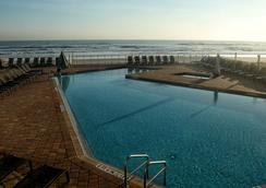 Hyatt Place Daytona Beach-Oceanfront - 데이토나비치 - 수영장