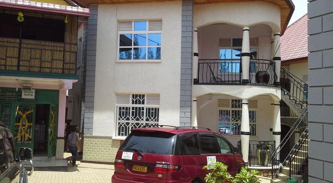 Radius Guest Flats - Kigali - 건물